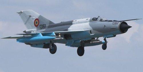 Un MIG s-a prăbuşit în judeţul Mureş, iar pilotul s-a catapultat