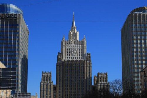 Москва высылает 20 чешских дипломатов