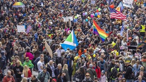 Nach Stuttgarter Corona-Demo: Parteien fordern schärfere Auflagen