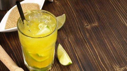 Mit Freunden feiern trotz Corona: einfache Cocktailrezepte für die Onlineparty