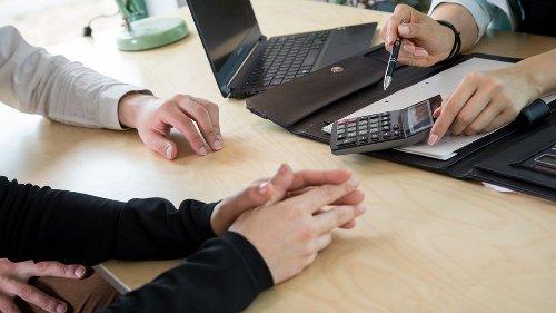 """""""Finanztest"""": Worauf man bei einem Ratenkredit achten sollte"""