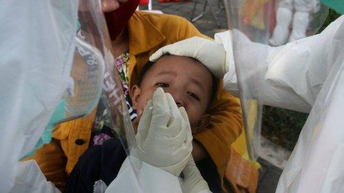 """""""An vorderster Front in dieser Krise"""" – Wie Indonesiens Kinder unter der Pandemie leiden"""