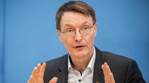 """Lauterbach: Lockerungen für Erstgeimpfte sind """"medizinisch nicht haltbar"""""""