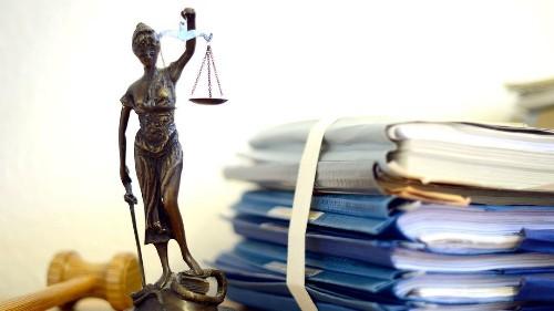 Prozessbeginn: Drei Sicherheitsleute sollen Asylbewerber misshandelt haben