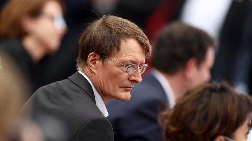 """""""Macht es Angst?"""": Lauterbach kontert Panikmache-Vorwurf von Virologe Schmidt-Chanasit"""