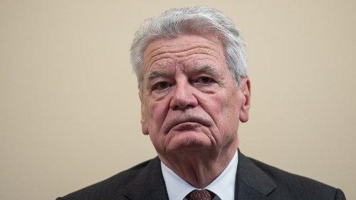"""Gauck fordert Toleranz für Querdenker: """"Nicht alle, die dort mitlaufen, sind Gefahr für Demokratie"""""""