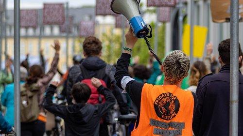 Generationen im Konflikt: Es ist Zeit, etwas an die junge Generation zurückzugeben
