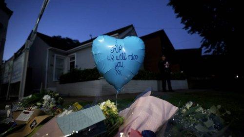 """""""Alle Herzen sind erfüllt von Trauer"""": Briten nach tödlicher Messerattacke auf Tory-Politiker schockiert"""