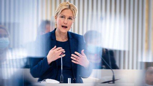 """""""#Offline"""": Manuela Schwesig verabschiedet sich in die Reha"""