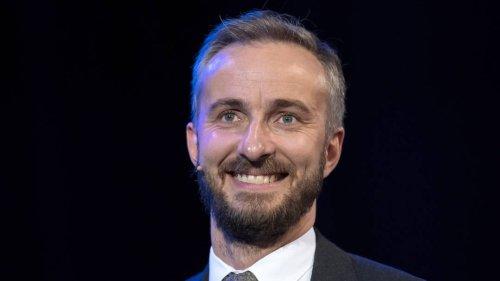 """Jan Böhmermann verrät seinen Lieblingswitz: """"Wie viele Deutsche braucht man, um..."""""""