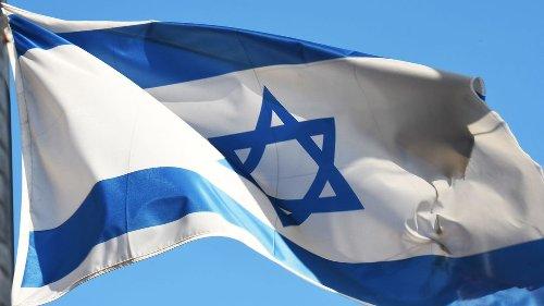 Unbekannte stehlen Israel-Flagge vor CDU-Bundeszentrale– in Solingen brennt Fahne vor Rathaus