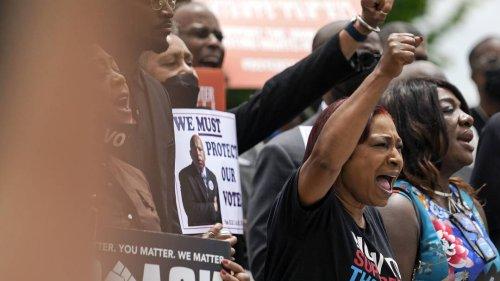 Demokraten verlassen Texas, um umstrittene Wahlreform zu verhindern