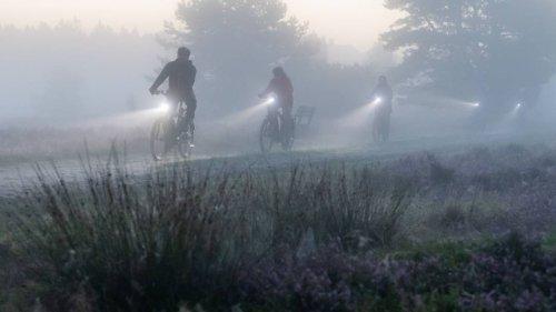 Ohne Schirm, Scham und Melone– so macht Rad fahren auch im Regen Spaß
