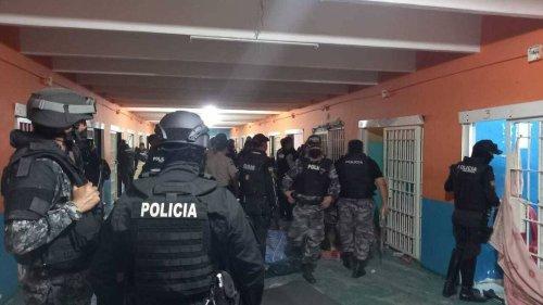 Massive Gewalt in Ecuador: Präsident Lasso verhängt Notstand über ganzes Land