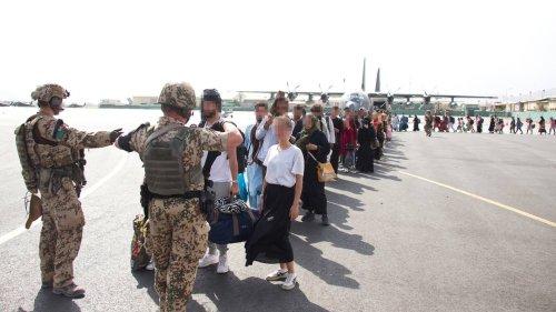 Kosovo: Kaum Informationen über Afghanen auf US-Stützpunkt