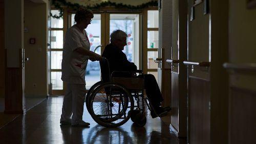 Katholische Kirche bringt Flächentarifvertrag für die Altenpflege zum Scheitern