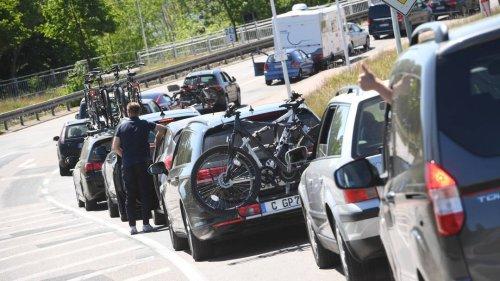"""Urlaub mit dem Auto im Trend: Droht ein """"Super-Stau-Sommer""""?"""