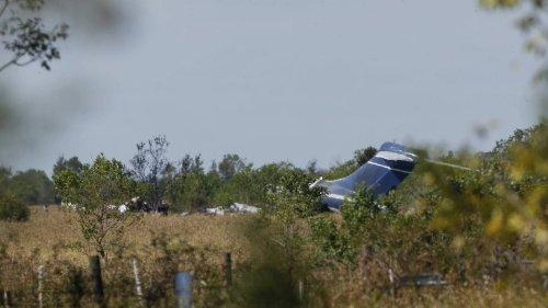 Flugzeug geht in Texas nach dem Start in Flammen auf - alle Passagiere überleben