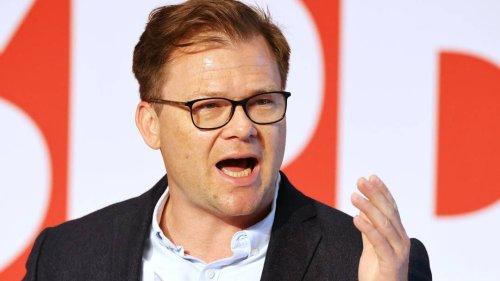 SPD-Politiker Schneider: Pflicht jedes Erwachsenen, sich impfen zu lassen