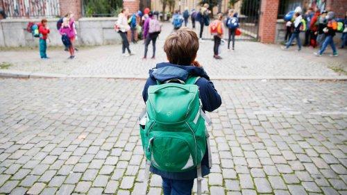 Lehrerverband: Aufhebung aller Corona-Maßnahmen an Schulen nicht vor Frühjahr