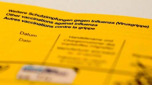 Ungeimpfte Frau legt in Apotheke gefälschten Impfausweis vor
