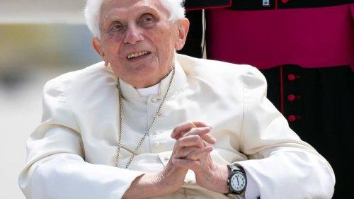 Dritter Piks: Emeritierter Papst Benedikt XVI. erhält Booster-Impfung