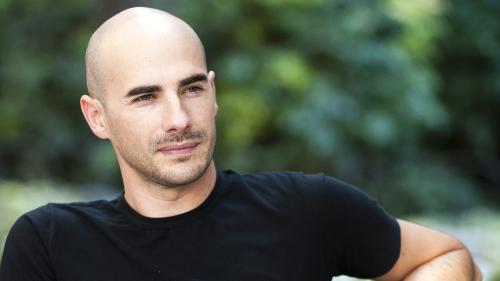 Test auf Tinder zeigt: Männer mit Glatze haben schlechtere Chancen bei Frauen