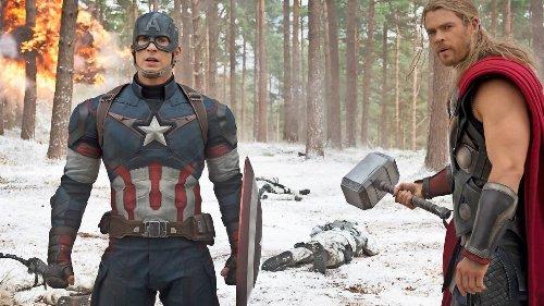 """Chris Hemsworth gratuliert """"Avengers""""-Kollege Chris Evans zum Geburtstag – mit falschem Foto"""