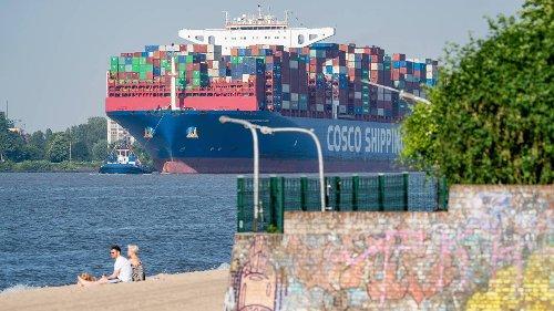 Frachterstau in Südchina: Wie Corona das deutsche Weihnachtsgeschäft bedroht