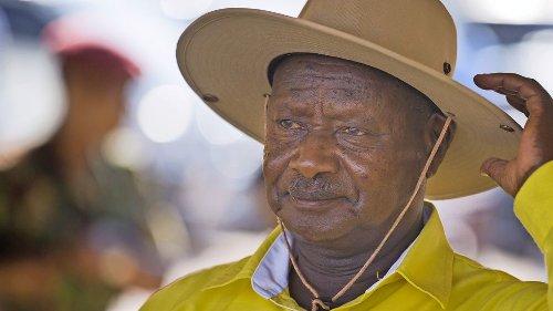 Ugandas Langzeitherrscher für sechste Amtszeit vereidigt