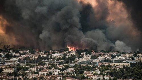 Europas Urlaubsparadiese in Flammen - Brände erreichen Athen