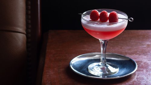 How to Make a Clover Club, the Gin Sour That's More Than Just a Pretty Face