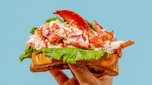 These Premium Lobster Roll Kits Can Now Be Delivered Right to Your Door