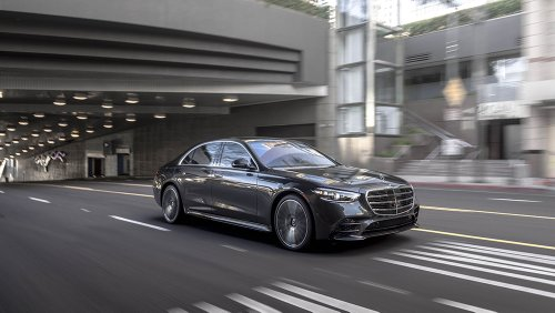 How Mercedes-Benz's Venerable S-Class Learned to Love Bleeding-Edge Technology