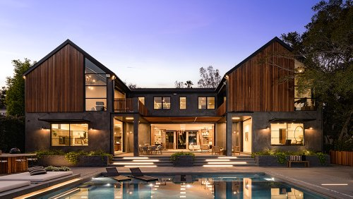 This $22.5 Million Los Angeles Home Has Six Fire Pits. One of Them Is in the Pool.