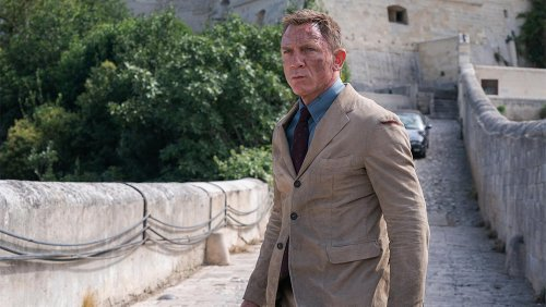 From Chukka Boots to Champagne, How to Nail Daniel Craig's 007 Style in 'No Time To Die'