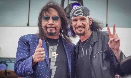 Guitarist Bruce Kulick shares an advice to young musicians