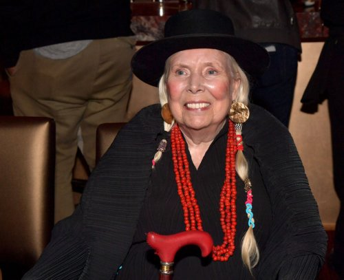 Joni Mitchell Talks 'Blue' With Cameron Crowe in Rare New Interview