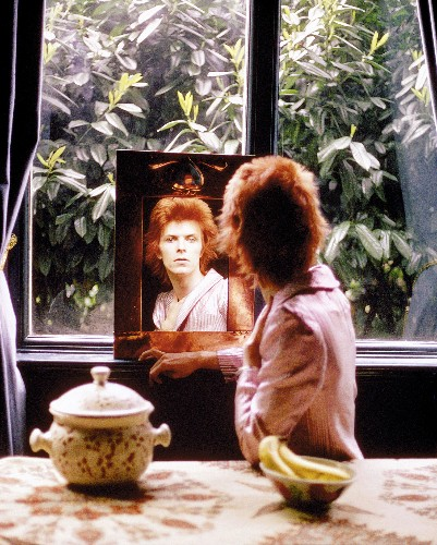 See Iconic David Bowie Photos From Ziggy Stardust Era