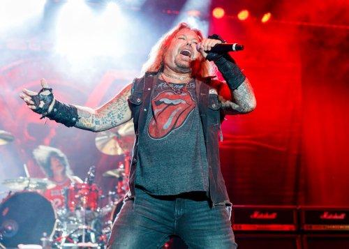 Mötley Crüe Singer Vince Neil Breaks Ribs After Falling Off Stage