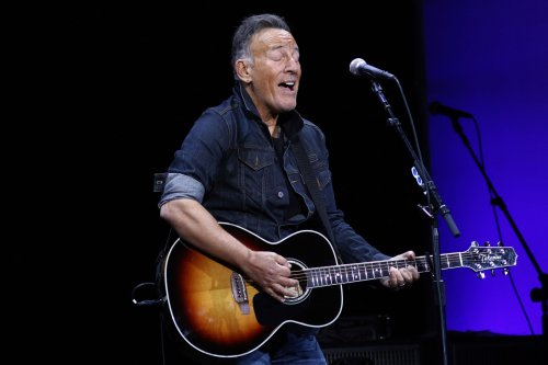 Bruce Springsteen Teases New Album, Plays Four-Song Acoustic Set
