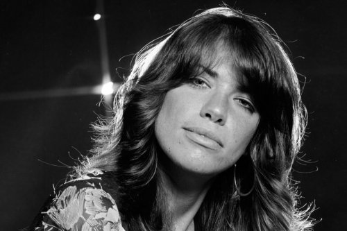 Flashback: Carly Simon Performs Cat Stevens-Inspired 'Anticipation' in 1971