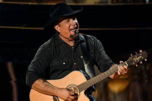 Stadium Headliner Garth Brooks to Play Nashville Theater Shows
