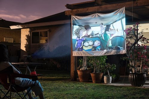 5 Essential Gadgets to Pull Off a Theater-Quality Outdoor Movie Night