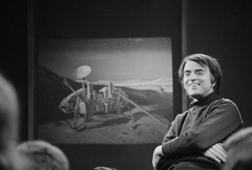Carl Sagan: Life on Other Planets?