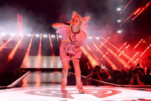 Watch Billie Eilish Perform to Packed Arena at iHeartRadio Festival