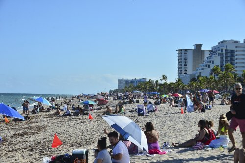 Florida Reports Close to 12,000 Covid Cases Caused by Variants, Most in U.S.