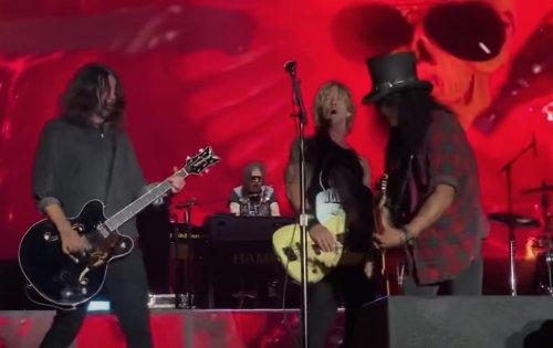 "Guns N'Roses wird während ""Paradise City"" der Strom abgedreht"