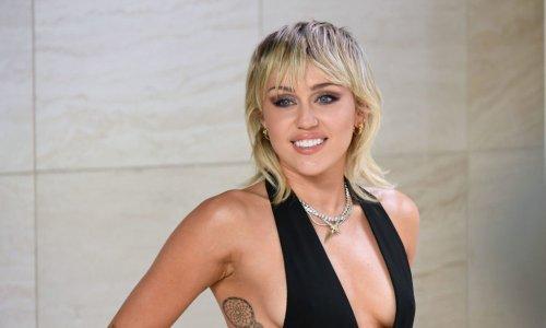 Miley Cyrus : critiquée car elle chante « comme un homme » ?