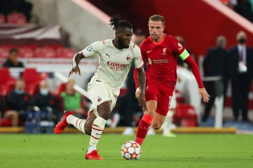 Report: Liverpool target still rejecting new deal; January move possible but Manchester United lurking